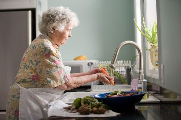 seniors-embracing-social-media-cooking