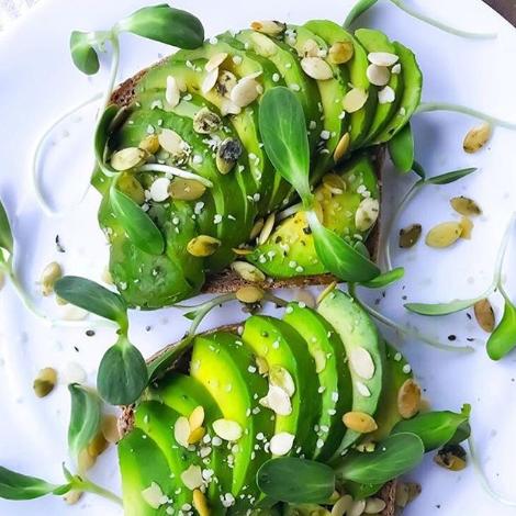 avocado-toast-2-900x720-cropped